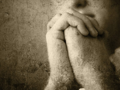Hands_in_prayer_4981cn